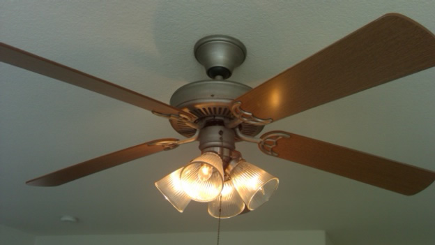 Lighting Camarillo Ceiling Fan
